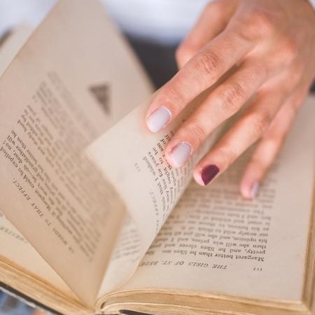 original essaysreading aloud  an essay by dorothy ross