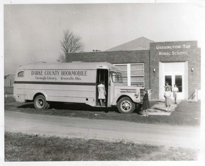 1947-48-bookmobile
