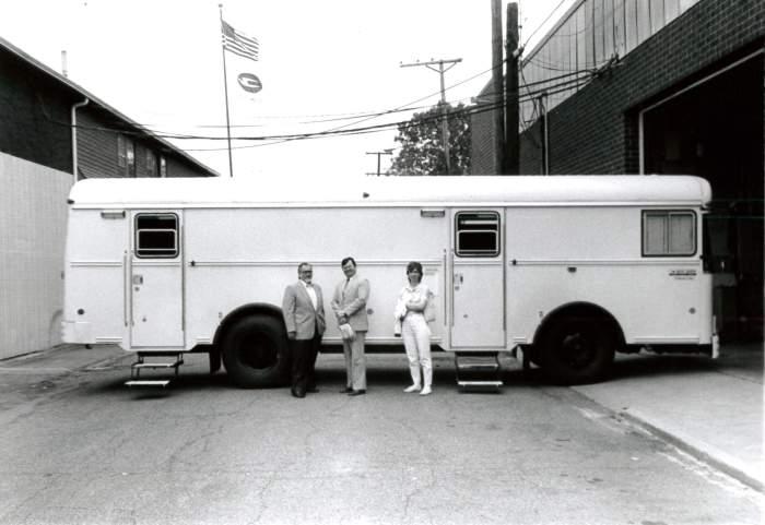 1980s-bookmobile