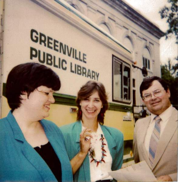 1990-july-30-serena-uible-head-joyce-turner-bookmobile-tenn-finnard-board