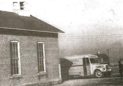 bookmobile-1949-black-and-white-2