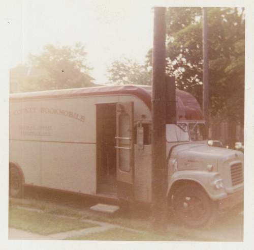 bookmobile-2nd-color-front