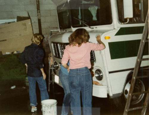 bookmobile-cleaning-1980s